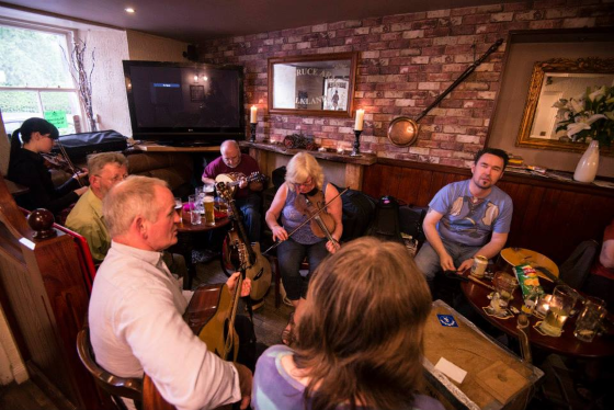 Session at The Bruce Inn (Photo ©Sean Purser)